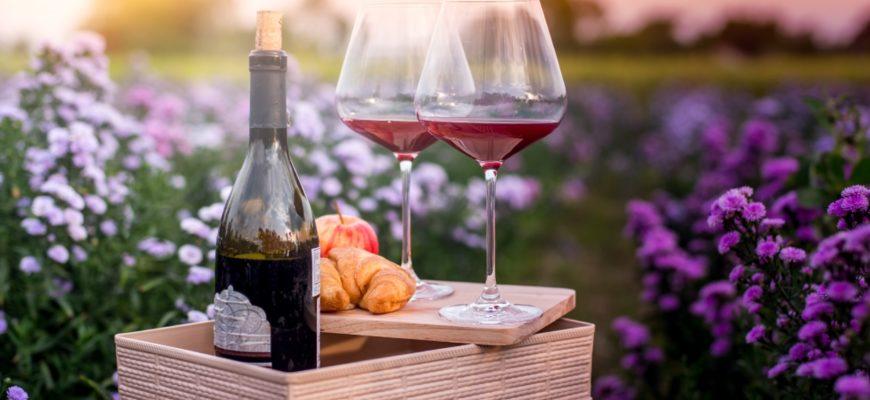 Романтический ужин с вином. Какой тост сказать своему любимому.